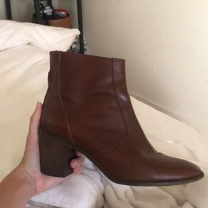 Cognac brown vintage style leather heel ankle boot